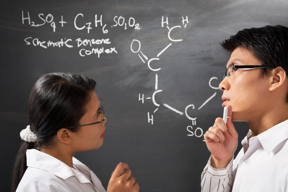 https://newdawnlearning.com.sg/wp-content/uploads/2019/06/The-Importance-of-H2-Chemistry-Tuition-for-JC-Students-1.jpg